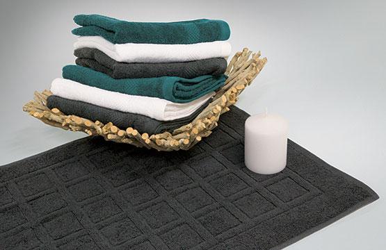 Handtuecher und Badmatte