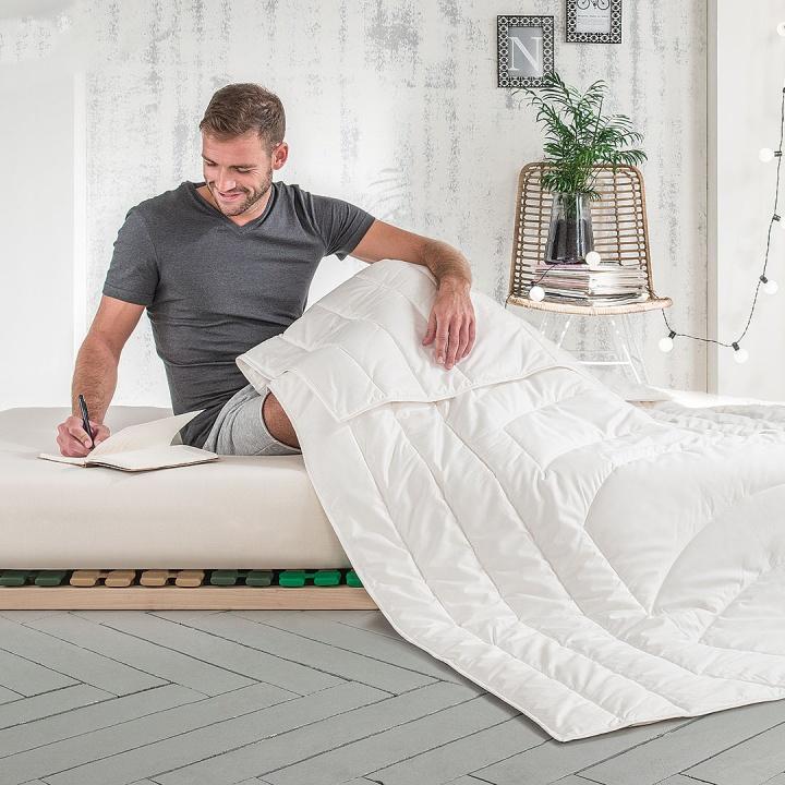 "Seiden-Ultraleicht-Bettdecke ""Seta-Figura"""