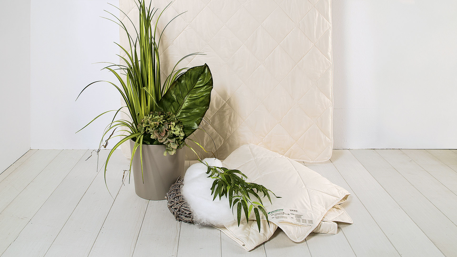 4 jahreszeiten bettdecke lyovita aus lyocell tencel f r allergiker. Black Bedroom Furniture Sets. Home Design Ideas