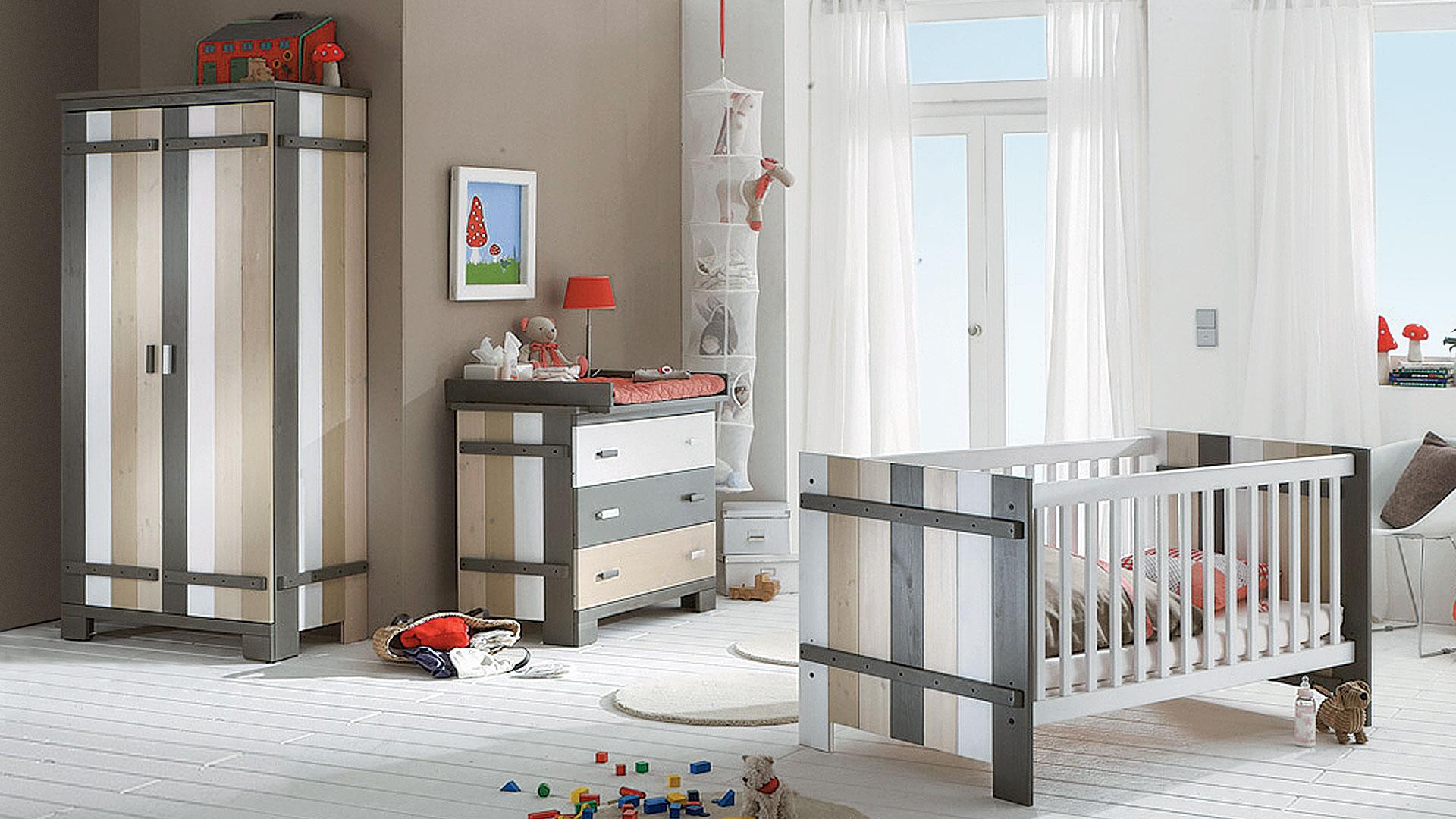 Kinderbett colori for Jugendzimmer colori