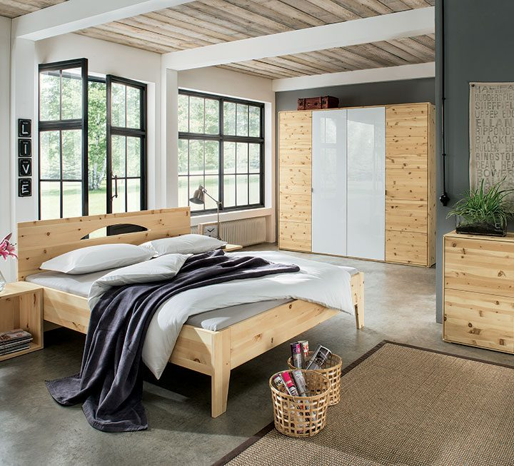 schlafzimmer aus massivholz. Black Bedroom Furniture Sets. Home Design Ideas